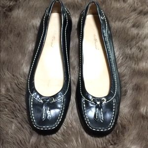 Eddie Bauer black leather loafers